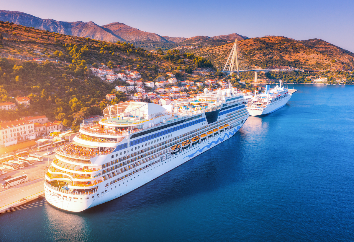 How To Book Family Cruises & Find Deals